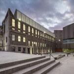 Nuevas Instalaciones Campus Creativo exterior atardecer