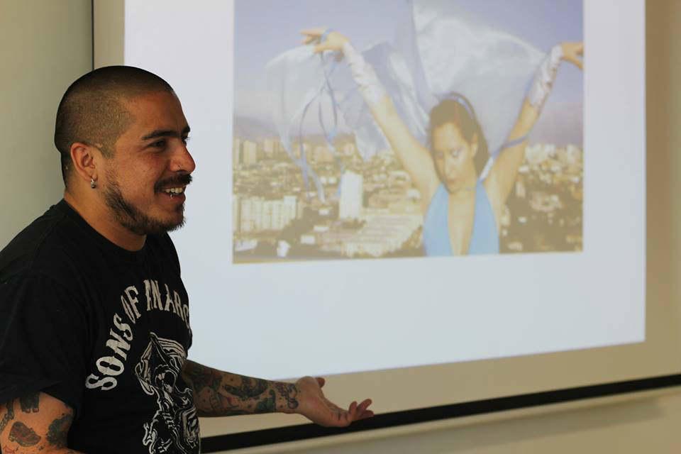 Charla diseñador gráfico Gonzalo Osorio