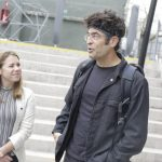 El reconocido fotógrafo y activista medioambiental Chris Jordan presentó su último trabajo en Campus Creativo UNAB
