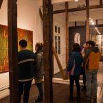 Artistas materializan el sonido en exposición Partitura Textil