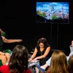 Directora del Museo del Diseño de Londres conversó con estudiantes del Campus Creativo