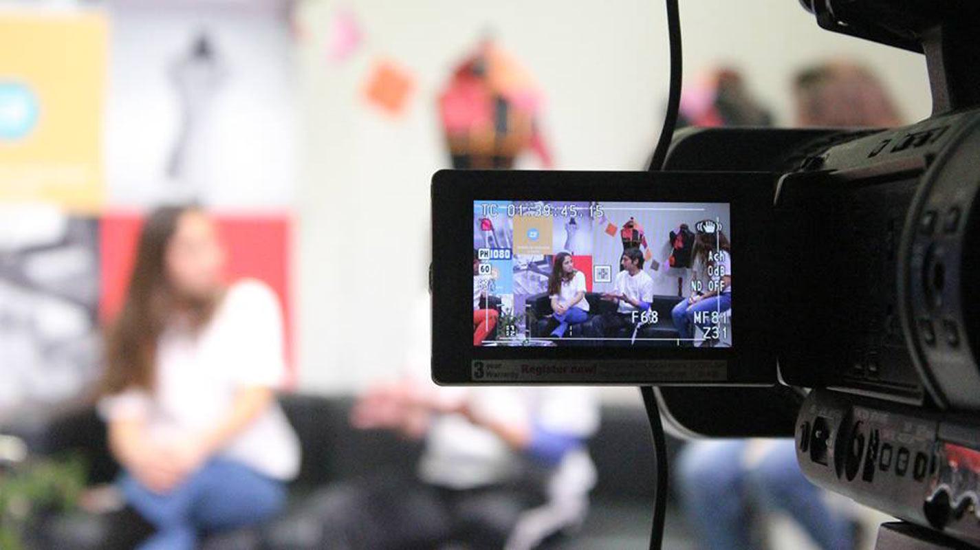 Estudio de televisión carrera periodismo